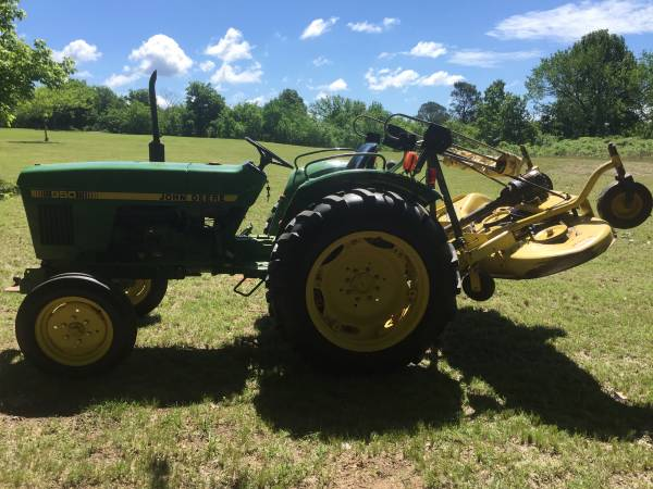 Photo John Deere 950 - $9,000 (Osage)
