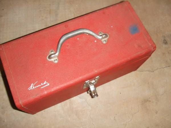 Photo KENNEDY TOOL BOX 16X7 NO TRAY WITH TOOLS RIDGET PIPE WRENCH LOT MISC L - $25 (Owasso)