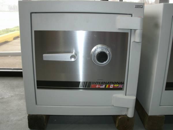 Photo NEW International Safe EV1717 Safe - $1,600 (N.W. Oklahoma City)
