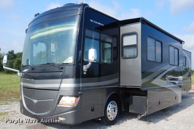 Photo Used 2008 Fleetwood Class A RV
