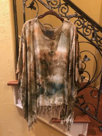 Photo quotRough  Tumble Vintagequot tie-dye Tassel ShrugPoncho  New - $30 (Nw Norman)