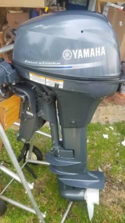 Photo 2017 Yamaha 4-Stroke 9.9 HP Outboard Boat Motor Electric Start  Tilt - $2,500 (Tonawanda)