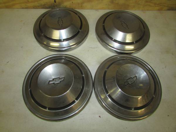 Photo 68- 70 Chevelle Dog Dish Hubcaps - $150 (Erie, Pa.)