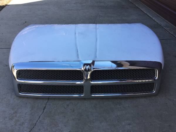 Photo 94-02 DODGE RAM HOOD WITH GRILLE - $200 (MEADVILLE)