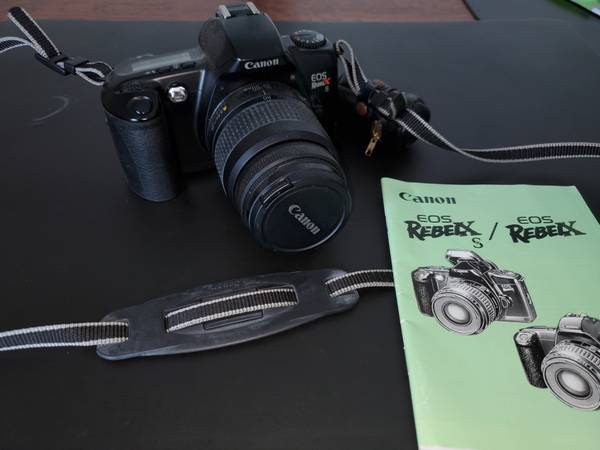 Photo Canon EOS Rebel XS 35mm Film Camera - $25 (East Amherst)
