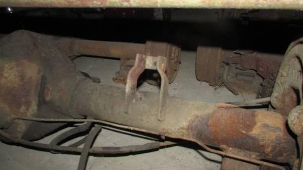 Photo Chevy Dual Wheel 1 Ton Rearend - $200 (Erie, Pa.)