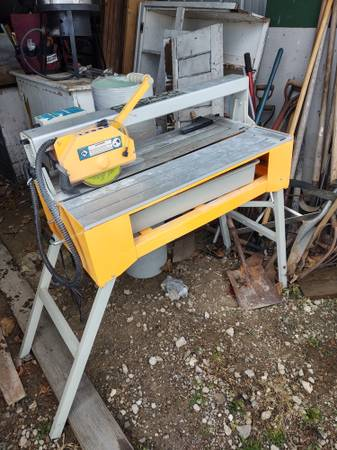 Photo Chicago Electric 7.5in Tile Saw - $95 (McKean Pa)