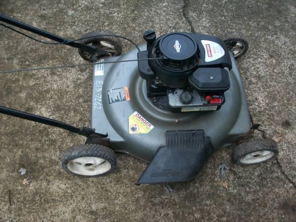 Photo Craftsman 22 gray mower 2 - $80