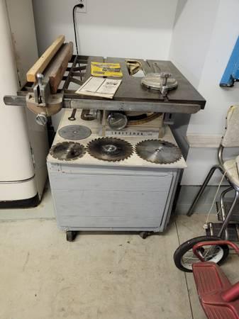 Photo Craftsman Table Saw - $85 (Millcreek)