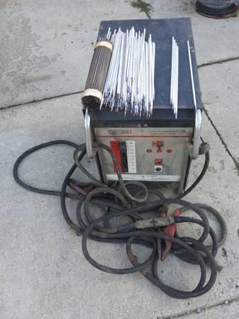 Photo Craftsman ac 220 stick welder 150 firm - $150 (Erie)