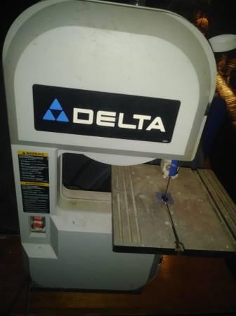 Photo Delta Model 28 150 benchtop bandsaw (CONNEAUTVILLE)
