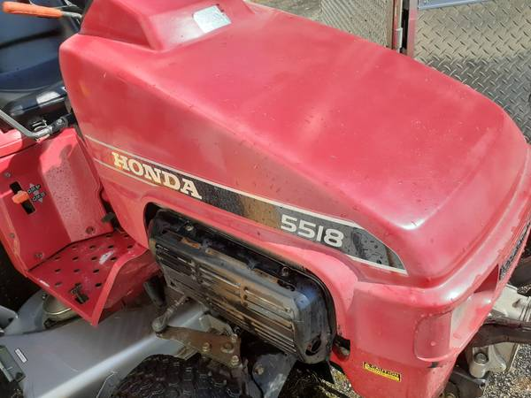 Photo Honda Tractor 5518 with snowblower and mowing deck - $3,599 (Akron)