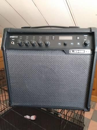 Photo Line 6 Spyder V 30 watt modeling  - $225 (Erie)