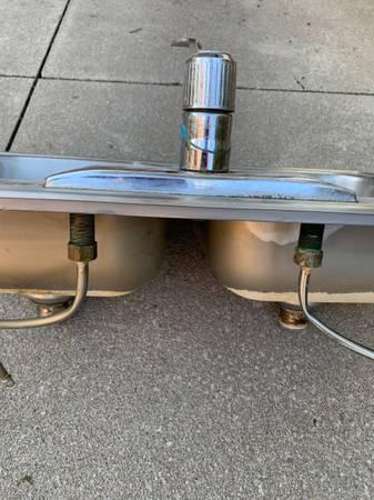 Photo Stainless steel kitchen sink - $30 (Erie)