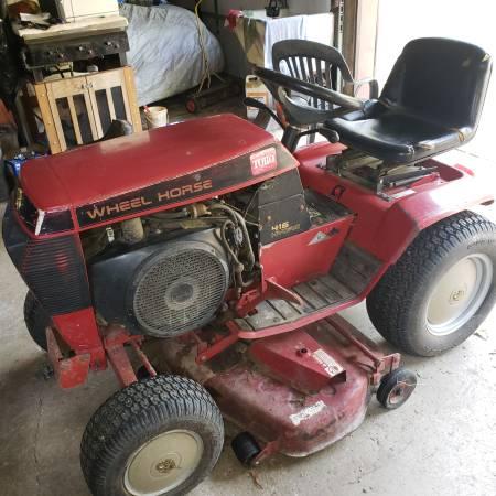 Photo Toro Wheel Horse 416 Hydro - $850 (wattsburg)