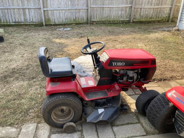 Photo Toro wheel horse 244-5 riding tractor - $500 (West erie)