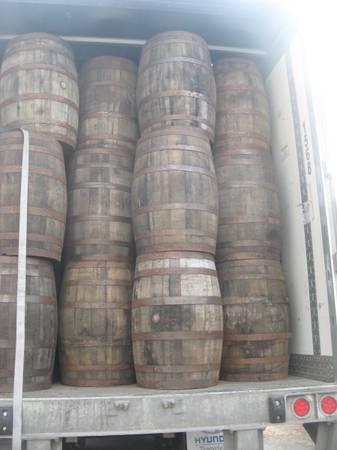 Photo Whiskey Barrels Rustic, Solid, Flat Barrel Heads  Furniture Quality - $75 (Union City)