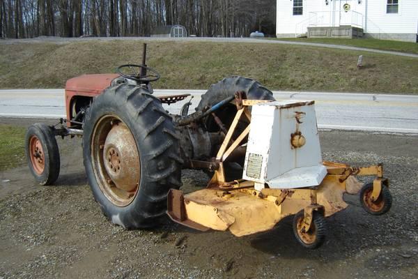 Photo finish mower - $400 (Guys Mills, PA)