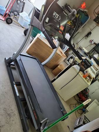 Photo nordic track treadmill. never been used - $1,750 (Erie)