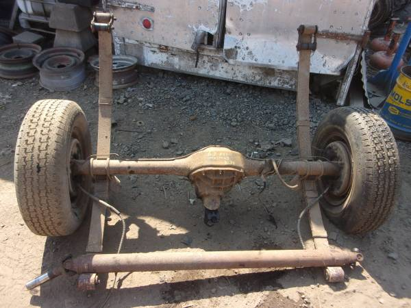 Photo 1967 mustang v8 rear end springs with drive line 2.79 ratio  bracket - $350 (Springfield)