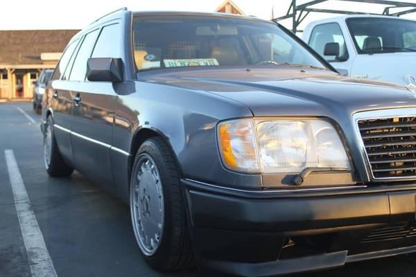 Photo 1995 Mercedes E320 Wagon part out - $1