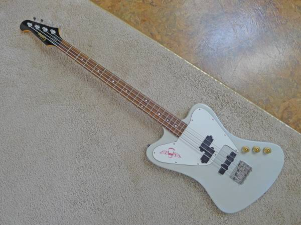 Photo 1995 non-reverse Epiphone Thunderbird Bass - $650 (Florence)