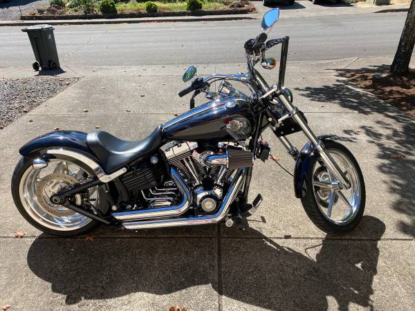 Photo 2008 Harley Davidson Softail Rocker C Motorcycle - $9,750 (SpringfieldThurston)