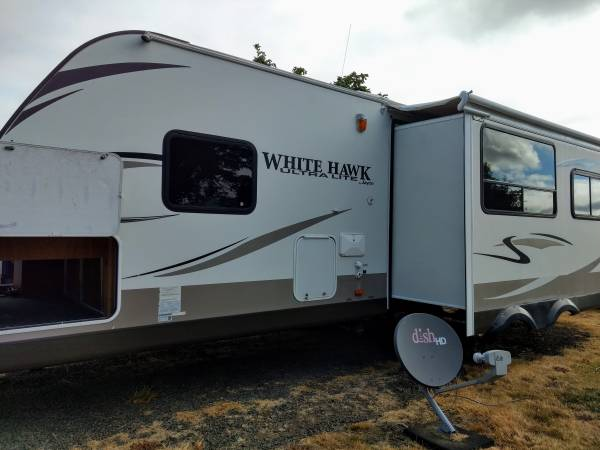 Photo 2013 White Hawk 27 Ft. TT - $18500 (Eugene)