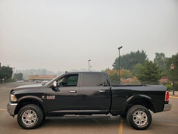 Photo 2018 DODGE RAM 2500 CREW CAB LARAMIE 4WD 6.7 DIESEL Summers - $50,900 (Eugene)