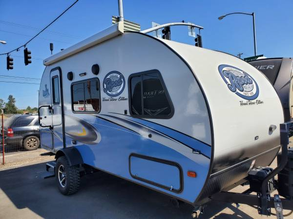 Photo 2018 Forest River R-Pod 180 .............CT2909 (RV Outlet)