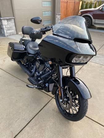 Photo 2019 Harley Davidson Road Glide Special, 2500 miles - $18,900 (Eugene)