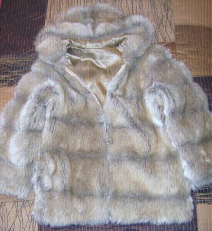 Photo A fur jacket Size - M - $50 (Drain)