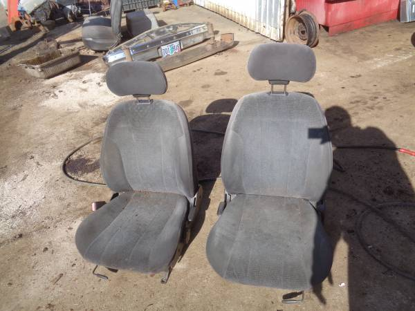 Photo BUCKET SEATS WITH HEAD REST FOR  RAT ROD CHEVY FORD NISSAN TOYOTA - $40 (Springfield)