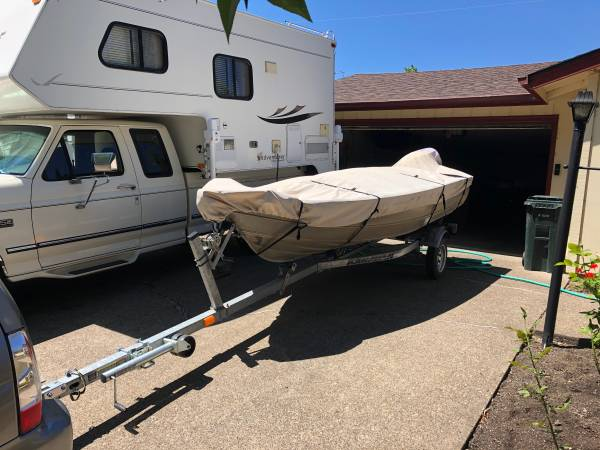 Photo Boat, motor, trailer for sale - $3,800