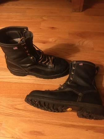 Photo Danner super rainforest boots - $260 (Friendly)