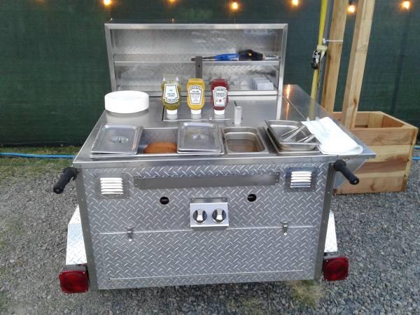 Photo Hot Dog Food Cart Class 3 - $3500 (Eugene)