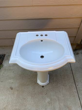 Photo Kohler Pedestal Sink - $40 (Elmira)