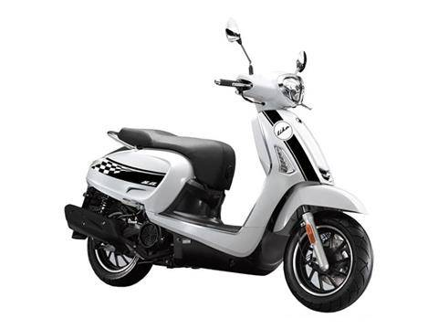 Photo Kymco Scooters 50cc and 150cc - $2,780 (Eugene)