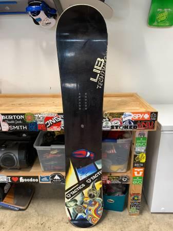 Photo Lib Tech Emma Peel 161W Snowboard - $150 (Oakway)