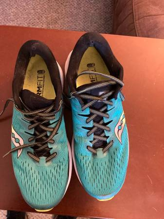 Photo Like New Saucony running shoes mens size 10 cash or trade - $60 (West Eugene)