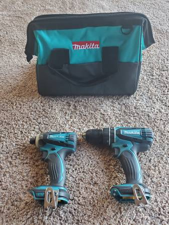 Photo Makita 18V impact driver and hammer drill - $75 (Cottage Grove)