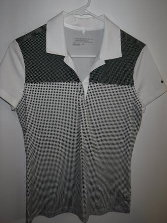 Photo Nike womens golf shirt size S - $10 (Eugene)