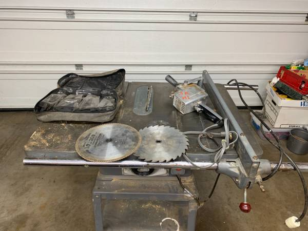 Photo OLD SCHOOL TABLE SAW  DRILL - $550 (SPRINGFIELD)