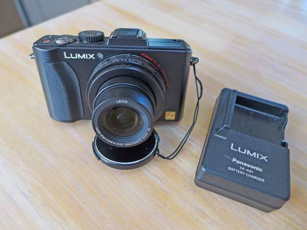 Photo Panasonic Lumix DMC-LX5 10.1 mp digital camera - Leica lens - $100 (Florence)