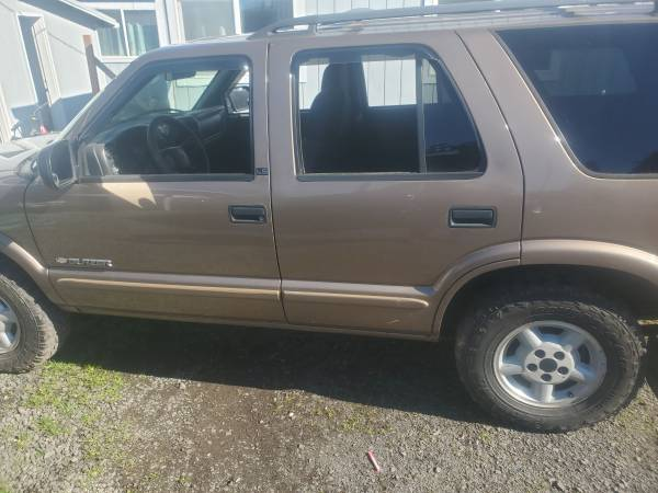 Photo Parting out 2003 chevy blazer - $1,234 (Springfield)