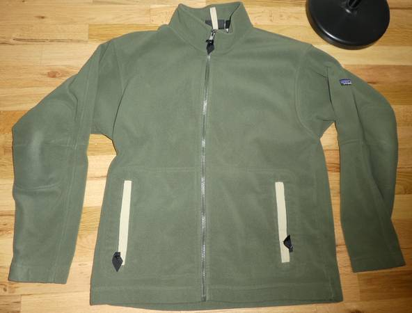 Photo Patagonia Lightweight Synchilla Fleece Jacket, Excellent Condition MED - $40 (South Eugene)