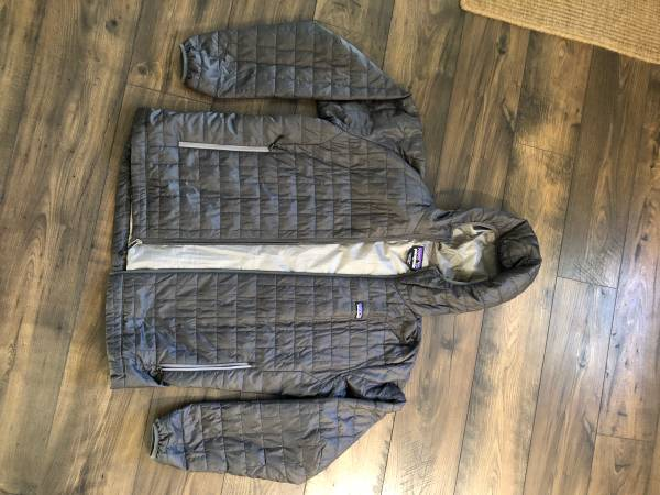 Photo Patagonia nano puff - $150 (Springfield)