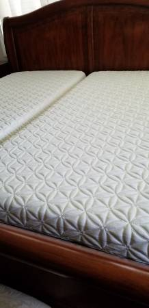 Photo REDUCED PRICE TEMPURPEDIC SPLIT KING MATTRESSES ONLY from 900 to - $600 (Eugene)