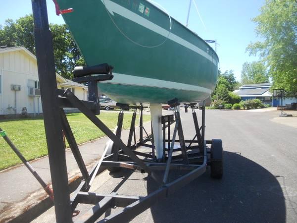 Photo Ranger 22 sailboat - $2,100 (Eugene)