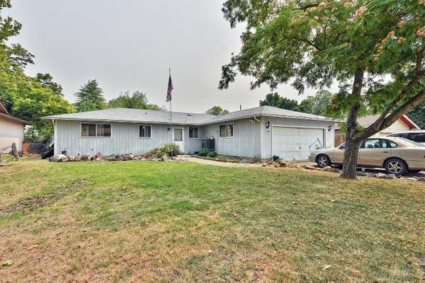 Photo Ready to go Home in Eagle Point. 3 Beds, 2 Baths